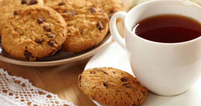 http://www.bbhelp.ru/uploads/tea-and-biscuits-670.jpg